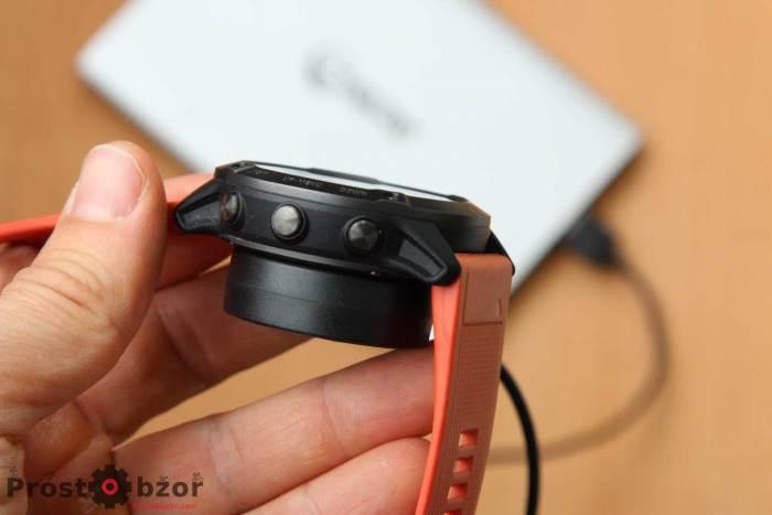 Крепление USB зарядной площадки для часов Garmin