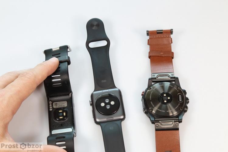 Встроенные датчики пульса HR в моделях Garmin Fenix 5X, Vivoactive HR, Apple Smart Watch Series 1