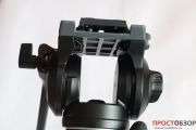 Вид спереди на жидкостную головку монопода Manfrotto MVM500A