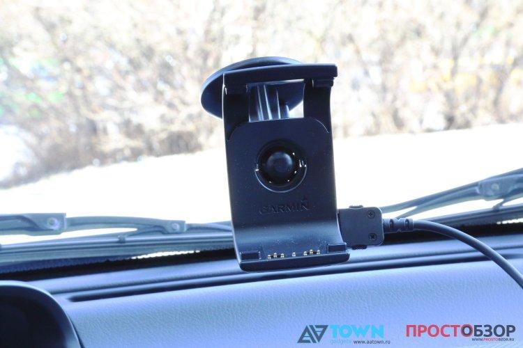 Крепление на ветровое стекло GPS навигатора Garmin Monterra
