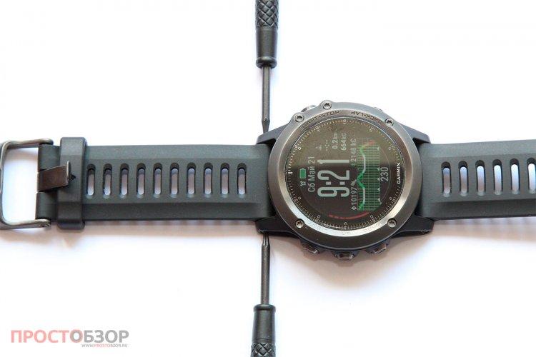 Раскручивание браслета часов Garmin Fenix 3