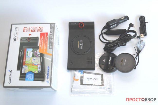 Содержимое коробки GPS авто-регистратора Garmin NuviCam