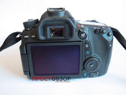 Вид на камеру Canon EOS 70D со стороны оператора