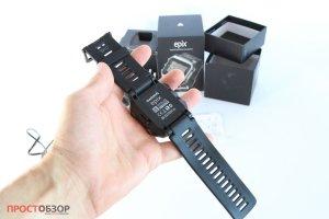 Garmin Epix  - вид сзади -распаковка