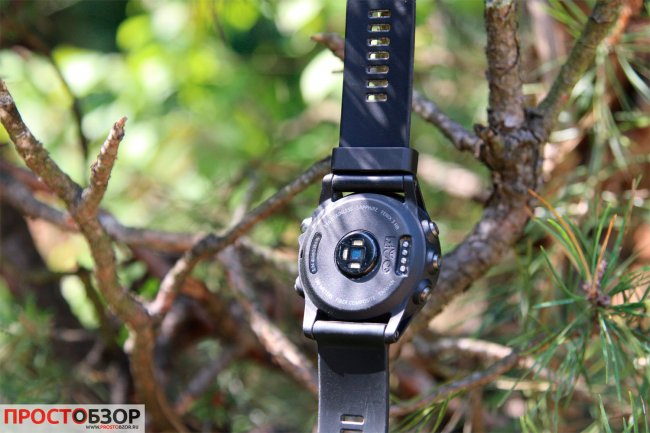 Встроенный датчик пульса в часах Garmin Fenix 3HR