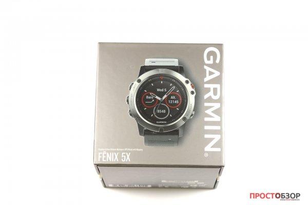 Передняя сторона коробки часов Garmin Fenix 5X - распаковка
