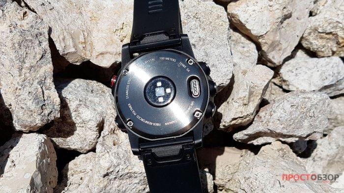Встроенный оптический датчик пульса HR в часах Garmin Fenix 5 X
