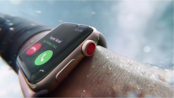 Презентация новой модели часов Apple Smart Watch Series 3