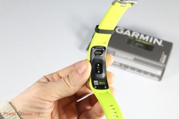 Внешний вид сзади фитнес-трекера Garmin vivosport