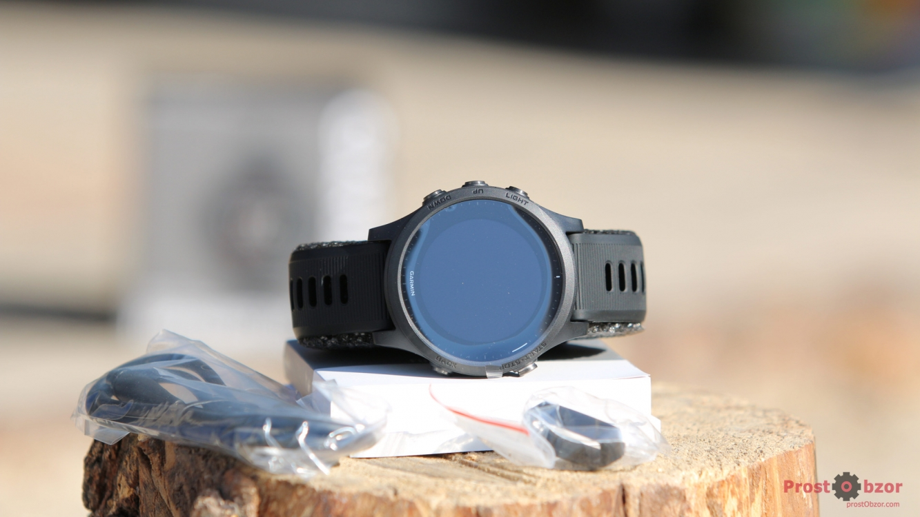 Распаковка часов Garmin Forerunner 945 - комплектация