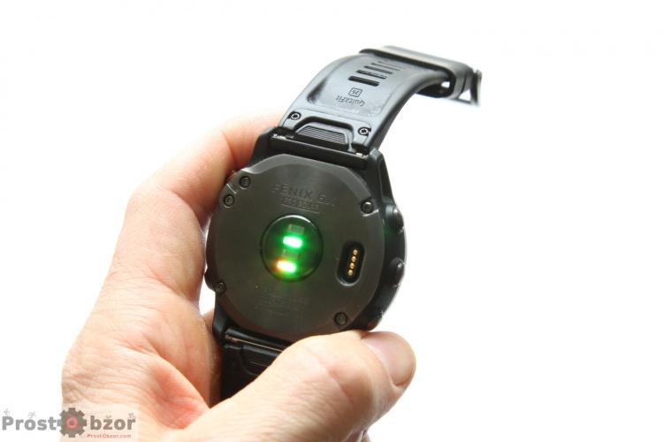 Оптический датчик пульса в часах Garmin Fenix 6X Solar