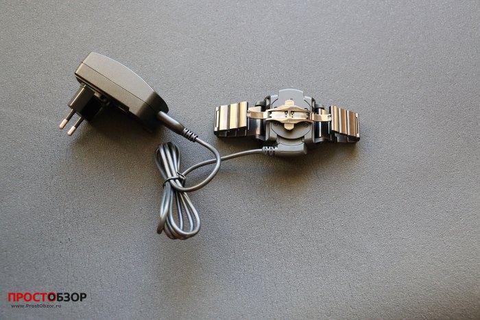 Зарядный блок часов Fenix 3 вид сзади