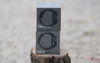 Упаковка часов Garmin Fenix 5X plus - вид сбоку - справа