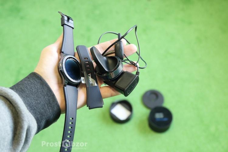 Комплектация часов Samsung Gear S3 Frontier