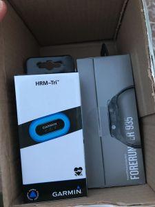Поставка часов  Garmin Forerunner 935 и пульсометр Garmin HRM-Tri