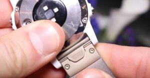 Защелка крепления ремней по технологии QuickFit для часов Garmin Fenix 5