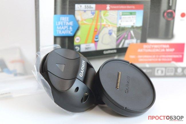 Крепление - присоска на стекло GPS авто-регистратора Garmin NuviCam