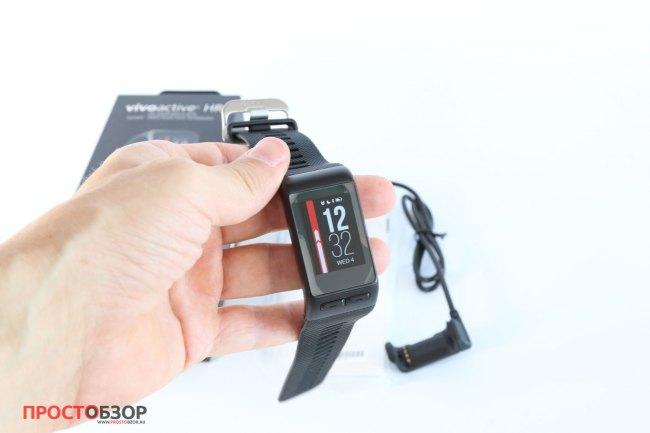Распаковка часов Garmin Vivoactive HR - корпус
