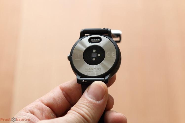 Внешний вид часов Garmin Vivoactive 3 - вид сзади
