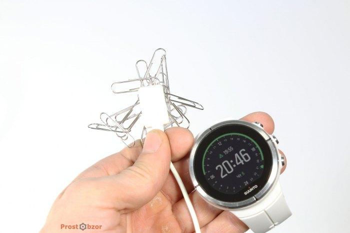Магнитная защелка USB кабеля часов Suunto Spartan Ultra