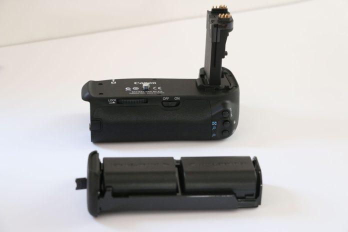 Бустер или ручка-держатель BG-E14 для Canon EOS 70D