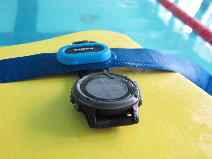 Обзор пульсометра для плавания Garmin HRM-Swim